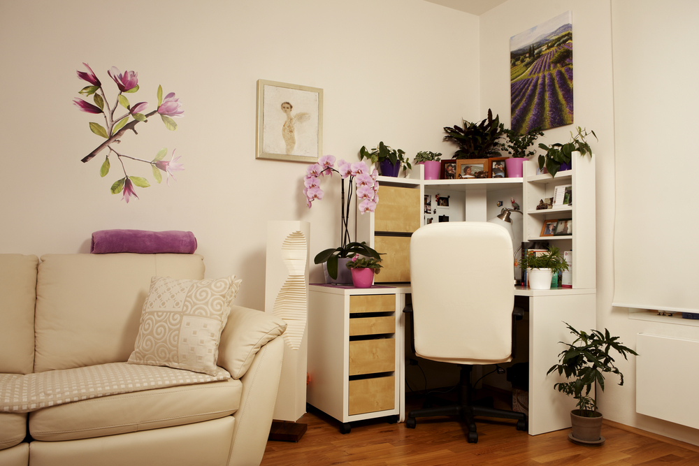 How To De-clutter Without Throwing Things Away